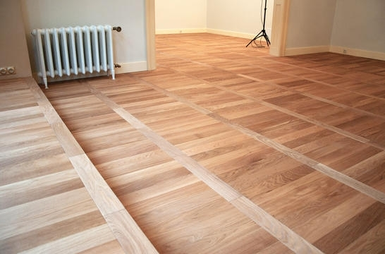 Pokládka plovoucí dřevěné podlahy