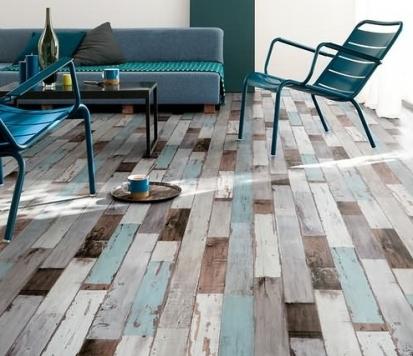 Rozdíl mezi lepenými a zámkovými PVC podlahami